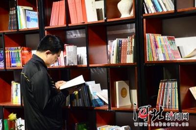 """""""共享书房""""亮相邯郸 市民可免费借阅"""