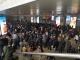 春运高峰,邯郸高铁东站温馨提示市民:提前抵达高铁东站候车