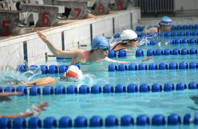 """邯郸""""全民健身游泳公开赛""""在邯钢游泳馆举行"""