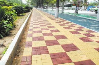 邯郸市陵园路油漆厂路开铺透水路面