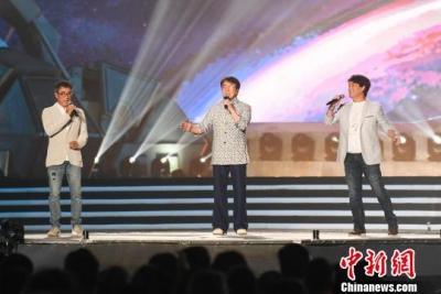 成龍國際動作電影周大同閉幕 袁和平獲終身成就獎
