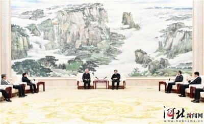 王东峰与住赣全国政协委员考察团举行澳门威尼斯人注册座谈