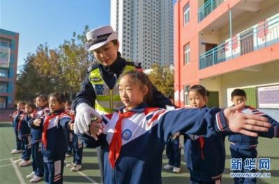 河北邯郸:交通安全伴我行