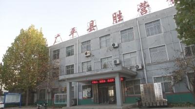 """党建兴业  遍开""""强村富民""""花"""
