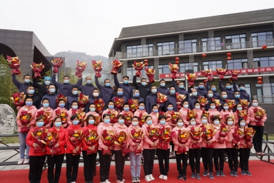 邯鄲V視|邯鄲市第一批支援湖北返邯醫療隊56名隊員解除隔離休養