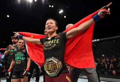 UFC女王张伟丽:冠军之上还有传奇
