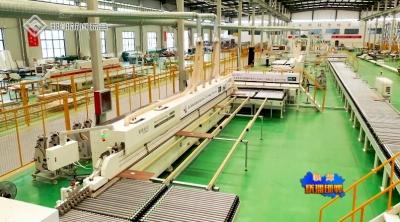 临漳越达智能家具:省内首家全自动智能家具生产线项目试生产