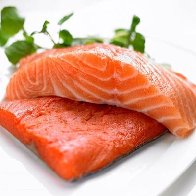 """三文魚還能吃嗎?關于""""舌尖上的安全"""",家庭烹飪這幾點要注意!"""