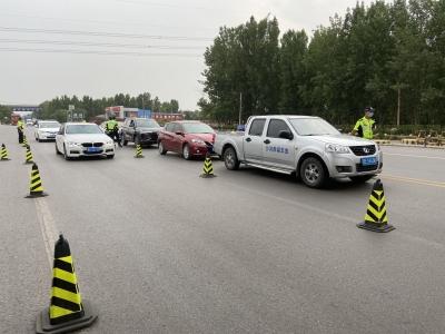 市交巡警支队开展夏季国省道交通秩序专项整治行动