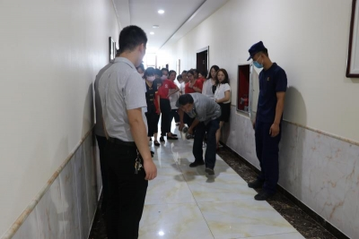 魏县消防救援大队深入辖区酒店宾馆进行消防安全培训