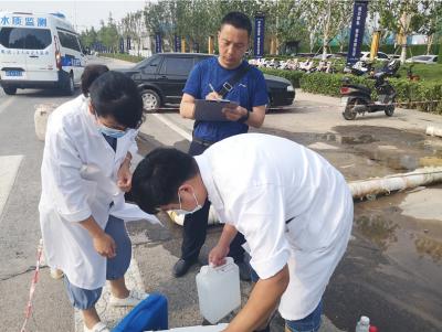 """邯郸自来水公司为供水管道""""冲澡"""", 确保夏季供水安全"""