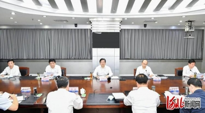 王东峰在河北省防汛工作现场调度会上强调:全力以赴做好防汛抢险各项工作