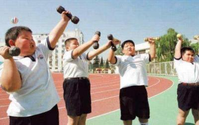 """如何告别""""小胖墩""""?6部门发布儿童青少年肥胖防控实施方案"""