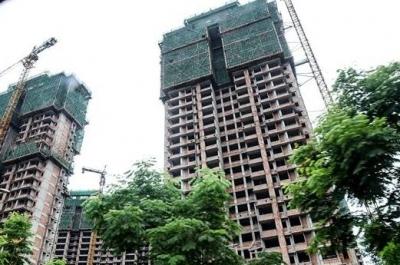 人民楼视丨1-9月房地产开发投资同比增长5.6% 专家:应防范地价泡沫扩大