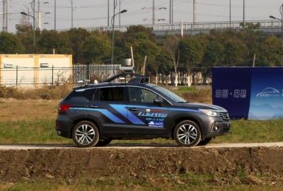 无人驾驶智能车 挑战真实城区自主接送乘客