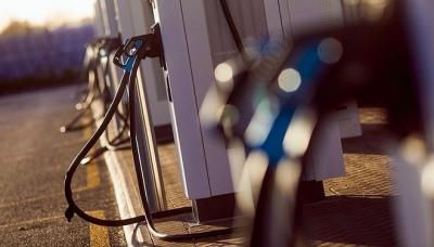 消费者报告:70%受访者有兴趣购买电动车 但顾虑重重
