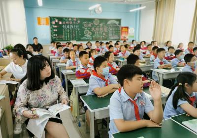 叢台區曙光小學:展課堂精彩 促教學成長
